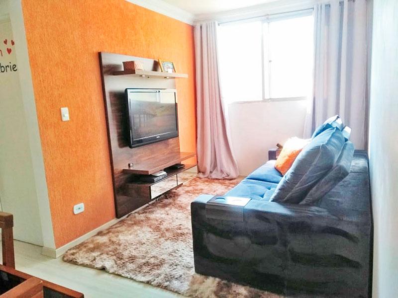 Sacomã, Apartamento Padrão - Sala com piso laminado e teto com moldura de gesso.