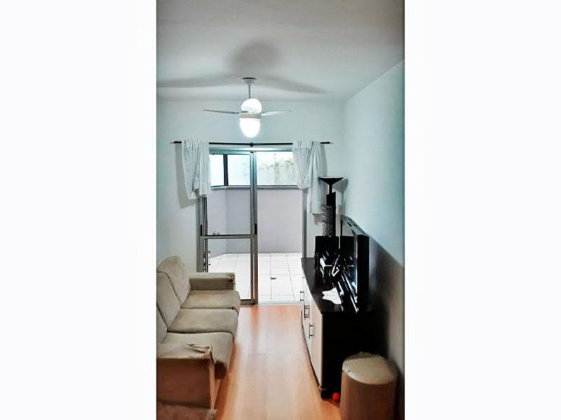 Sacomã, Apartamento Garden-Sala com piso laminado e acesso a varanda.