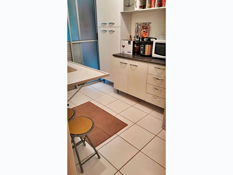 Sacomã, Apartamento Garden-Cozinha com piso de cerâmica, pia de nanoglass e acesso a área de serviço.