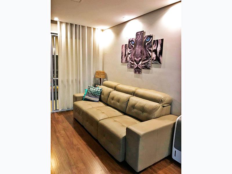 Ipiranga, Apartamento Padrão - Sala com piso laminado, teto com sanca, iluminação embutida e acesso a sacada.