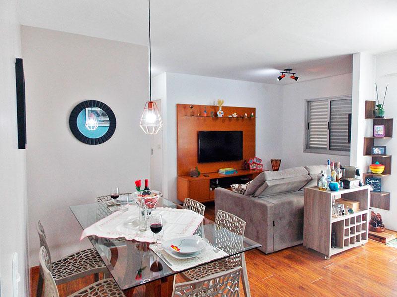 Jabaquara, Apartamento Padrão - Sala ampliada (com o 3º quarto), com piso laminado e acesso a varanda.