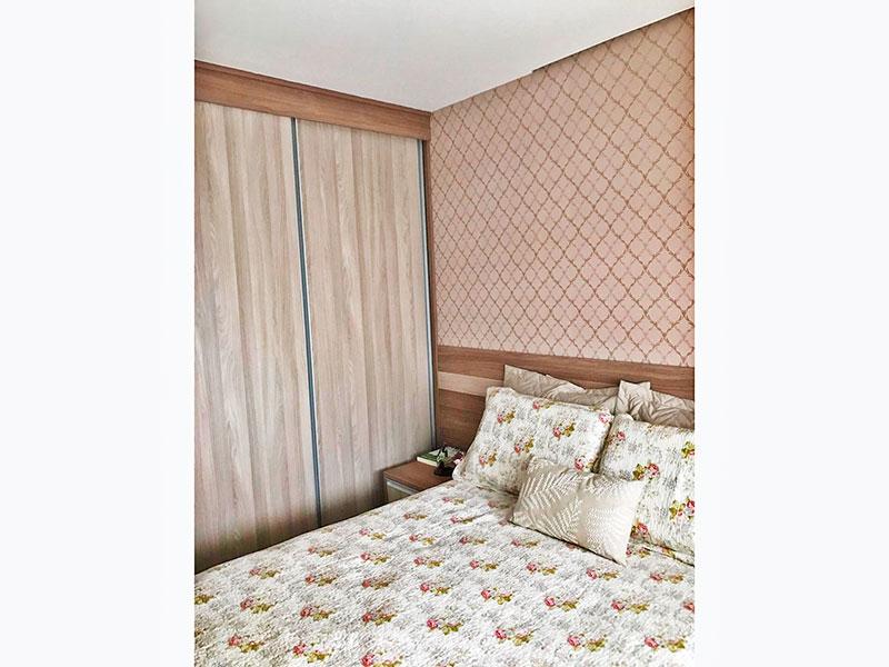 Sacomã, Apartamento Padrão-1º Quarto com piso laminado, teto com sanca e armários planejados.