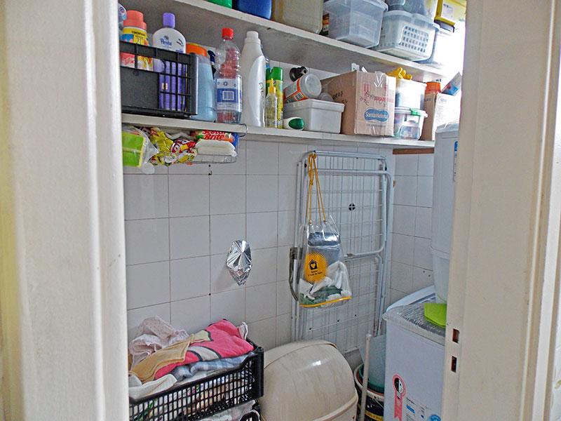 Sacomã, Apartamento Padrão-Banheiro da área de serviço com piso de cerâmica.