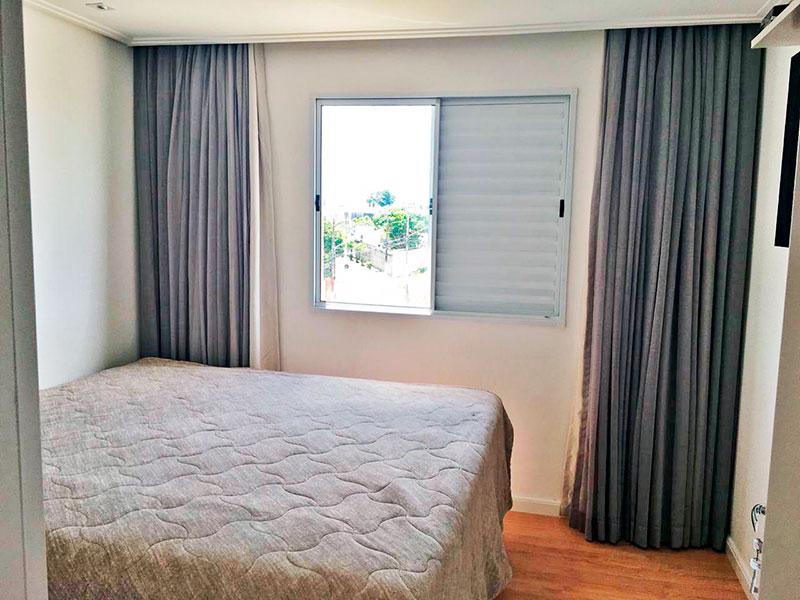 Sacomã, Apartamento Padrão-1º Quarto com piso laminado, teto com sanca de gesso e iluminação embutida.