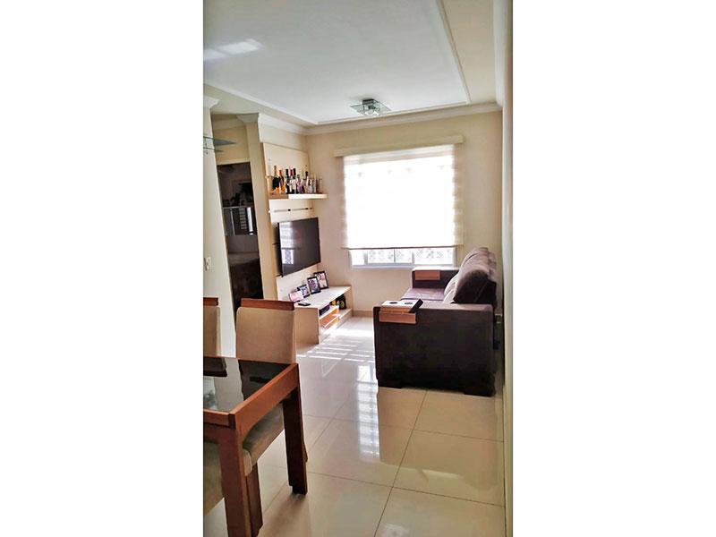 Sacomã, Apartamento Padrão - Sala com piso de porcelanato e teto com moldura de gesso.