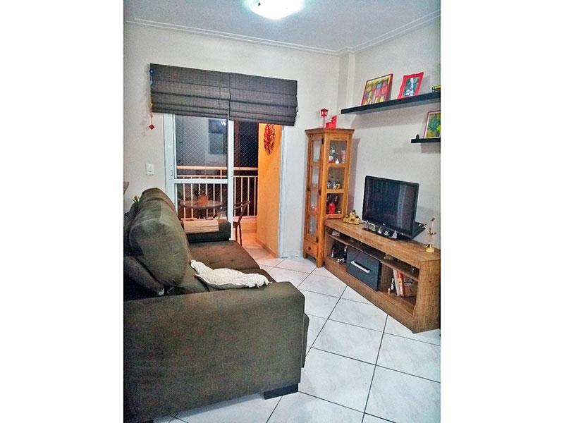 Sacomã, Apartamento Padrão-Sala com piso de cerâmica, teto com moldura de gesso e acesso a varanda gourmet.