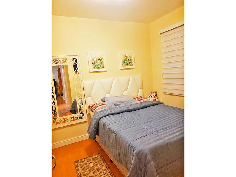 Sacomã, Apartamento Padrão-1º Quarto com piso laminado e armários planejados.