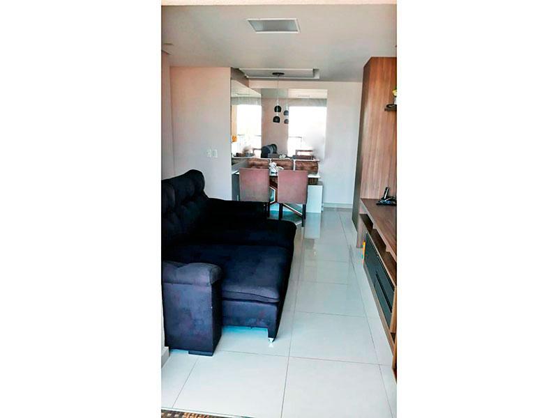 Ipiranga, Apartamento Padrão - Sala com piso de cerâmica, teto com sanca,iluminação embutida e acesso a varanda.