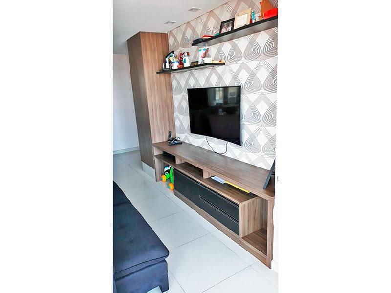 Ipiranga, Apartamento Padrão-Sala com piso de cerâmica, teto com sanca,iluminação embutida e acesso a varanda.