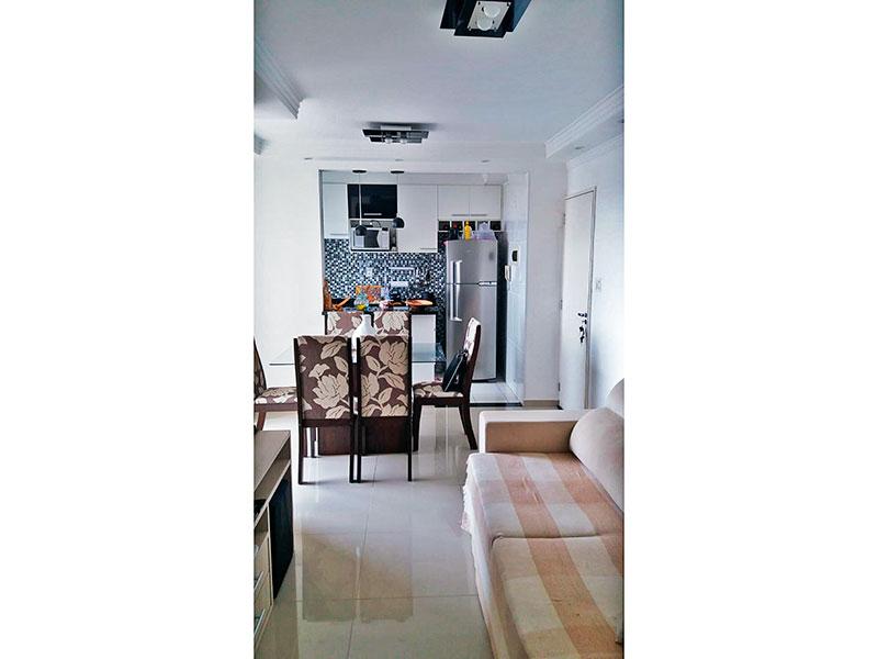 Sacomã, Apartamento Padrão - Sala em com piso de porcelanato, teto com sanca de gesso, iluminação embutida e acesso a varanda.