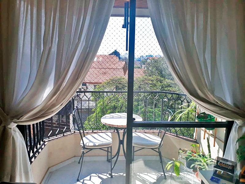 Jabaquara, Apartamento Padrão-Sacada com piso de cerâmica e tela de proteção.