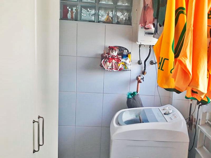 Jabaquara, Apartamento Padrão-Área de serviço com piso e cerâmica e aquecedor de passagem.