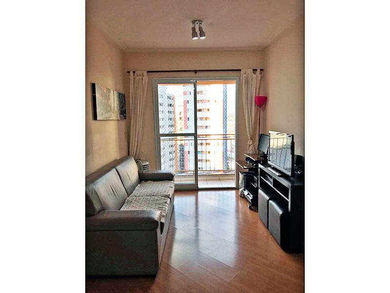 Jabaquara, Apartamento Padrão-Sala com piso laminado, teto com moldura de gesso e acesso a varanda.