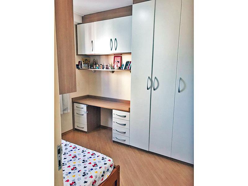 Jabaquara, Apartamento Padrão-2º Quarto com piso laminado e armários planejados.