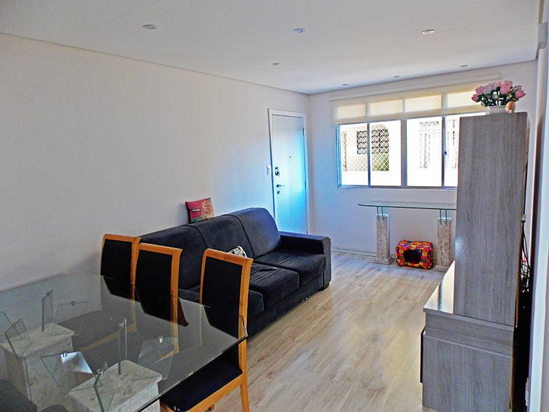 Ipiranga, Apartamento Padrão-Sala com piso laminado, teto com sanca e iluminação embutida.