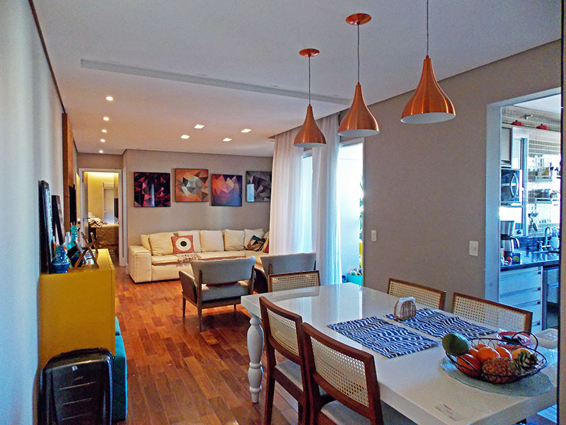 Ipiranga, Apartamento Padrão - Sala ampliada (com o 3º quarto), com piso de tacão, teto com sanca, iluminação embutida e acesso a varanda gourmet.