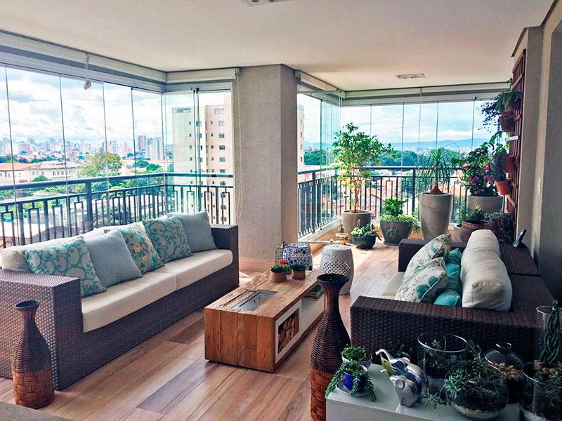 Ipiranga, Apartamento Padrão-Varanda gourmet com piso de madeira, teto com sanca, iluminação embutida, gabinete, pia de granito, churrasqueira e fechamento de vidro.