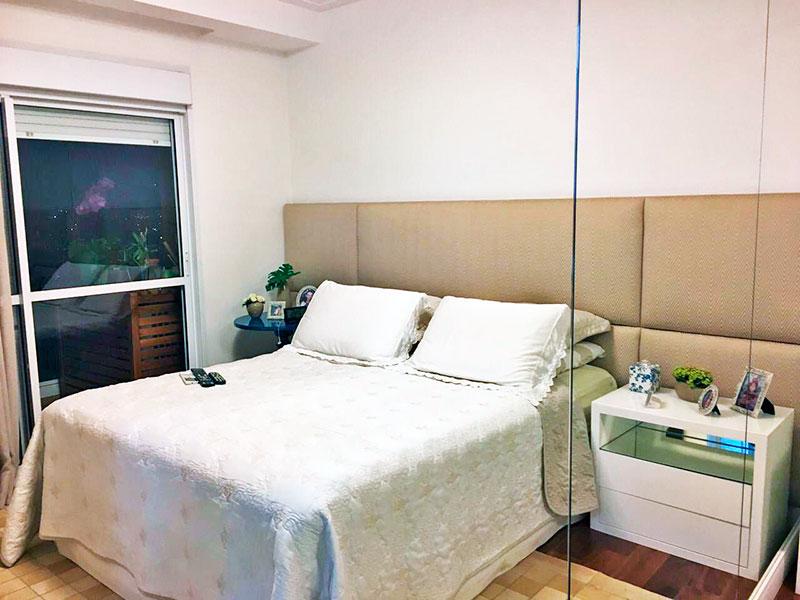 Ipiranga, Apartamento Padrão-1ª Suíte com piso de madeira, armários planejados e acesso a varanda gourmet.