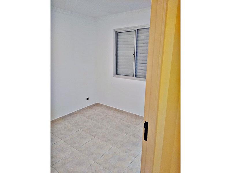 Sacomã, Apartamento Padrão-3º Quarto com piso de cerâmica e teto com moldura de gesso.