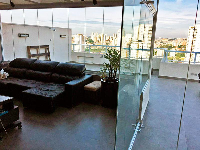 Ipiranga, Apartamento Penthouse-Sala com piso de cerâmica, fechamento de vidro e acesso a varanda.