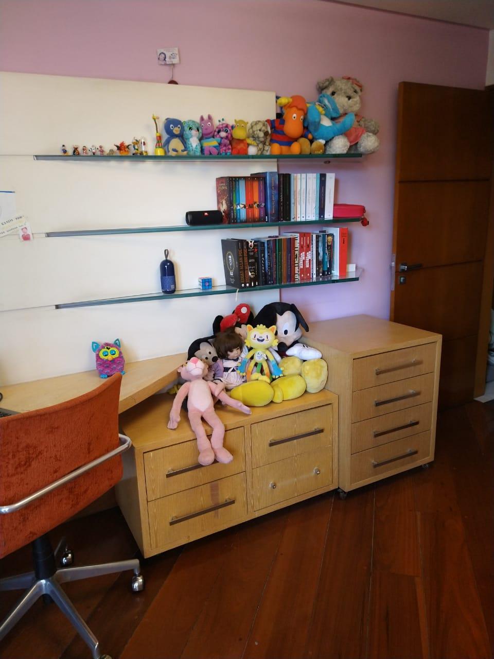 Ipiranga, Apartamento Padrão-3º Dormitório com armários planejador e piso de madeira