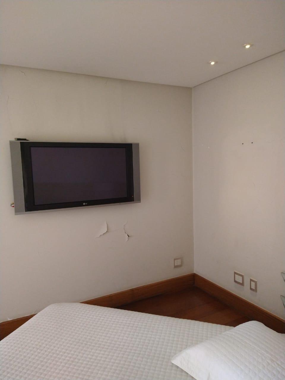 Ipiranga, Apartamento Padrão-Suíte com piso de madeira e sanca de gesso com iluminação direta