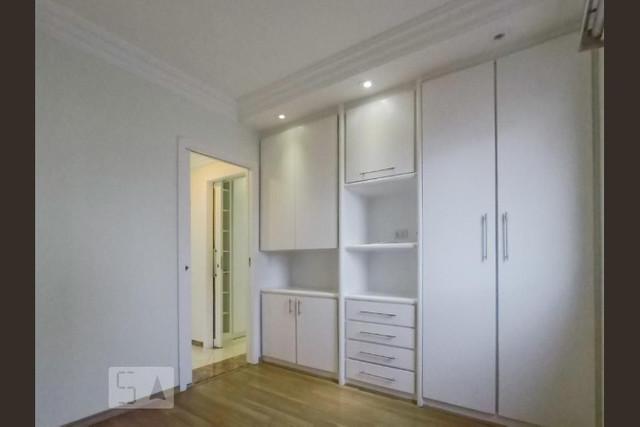 Ipiranga, Apartamento Padrão-Suíte com piso de porcelanato, sanca de gesso com iluminação, closete e armários planejados