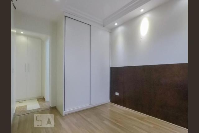 Ipiranga, Apartamento Padrão-2º Dormitório com piso de porcelanato, sanca de gesso e armários planejados
