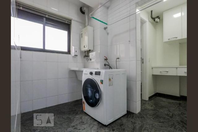 Ipiranga, Apartamento Padrão-Área de serviço com piso de granito, armários planejador e aquecedor a gás